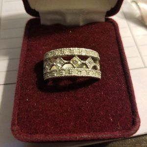 sz 6 silver ring with diamond accents